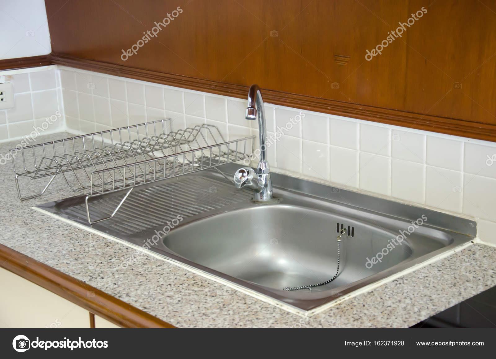 Spüle Küche waschen — Stockfoto © aoo8449 #162371928
