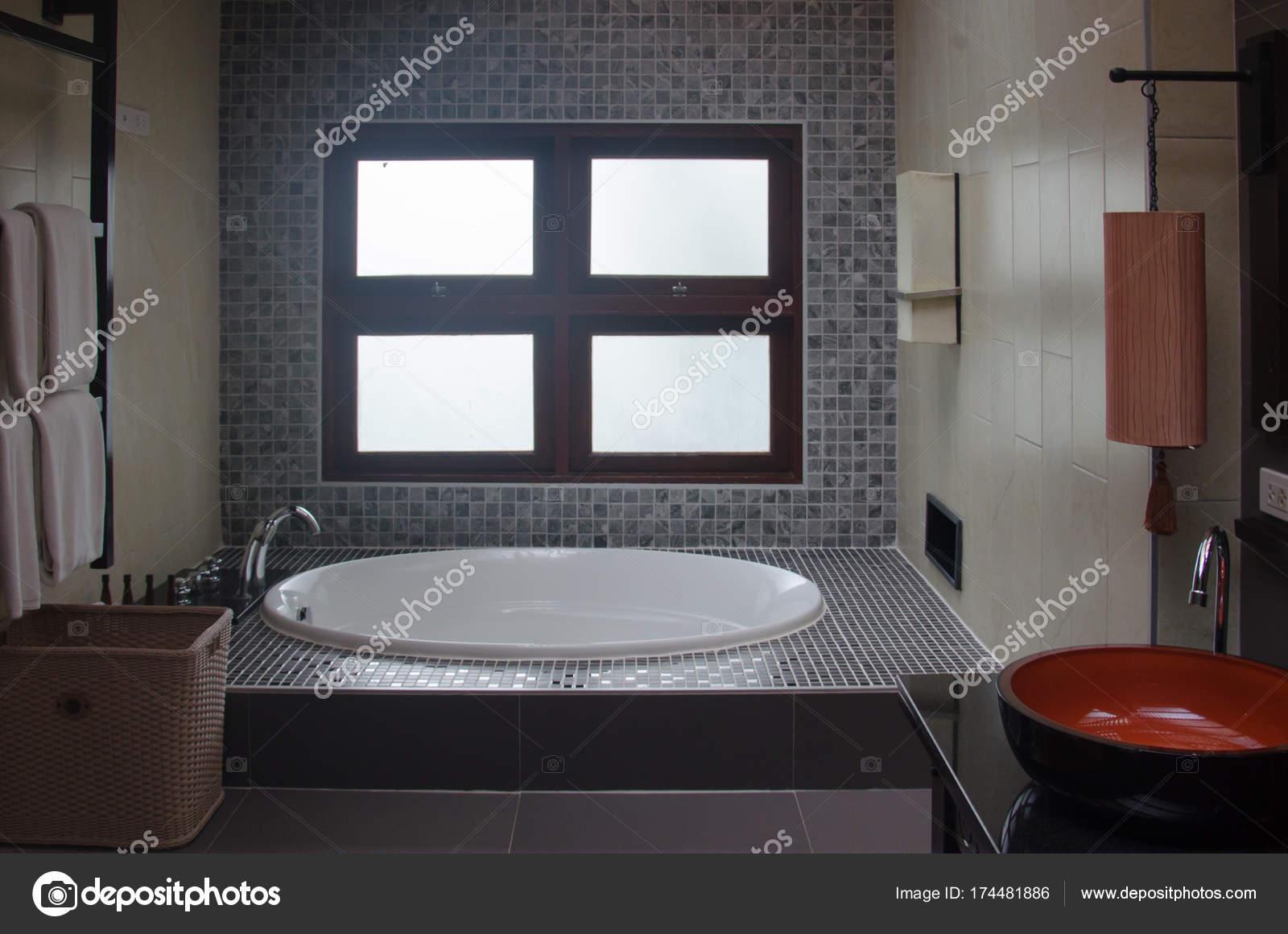 Badewannen Waschbecken badewanne und waschbecken — stockfoto © aoo8449 #174481886