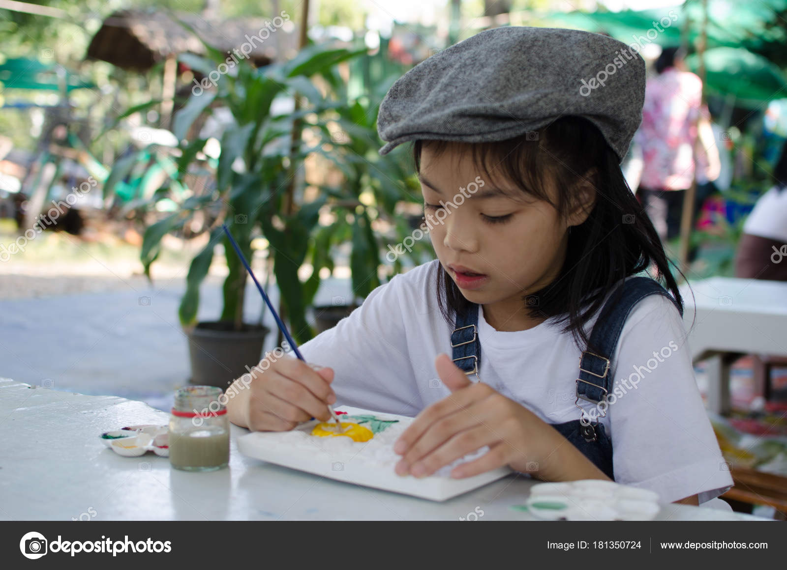 Kids Asian Coloring Tray Coloring Table — Stock Photo © aoo8449 ...