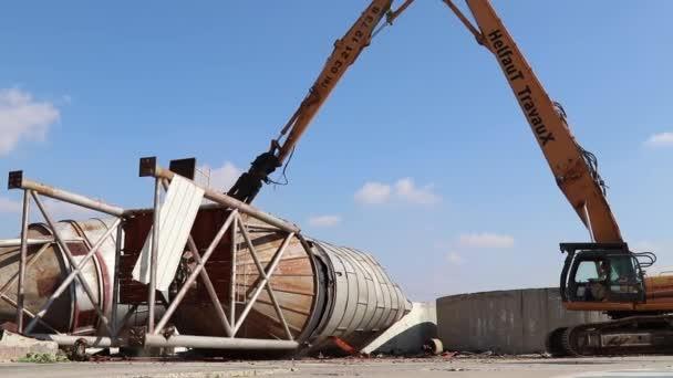Bourací práce na místě buldozer