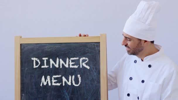 Shot šéfkuchaře znakem večeře Menu