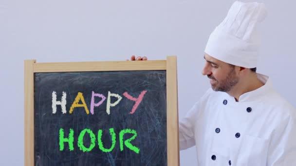 Schuss des Küchenchefs mit Happy Hour Schild