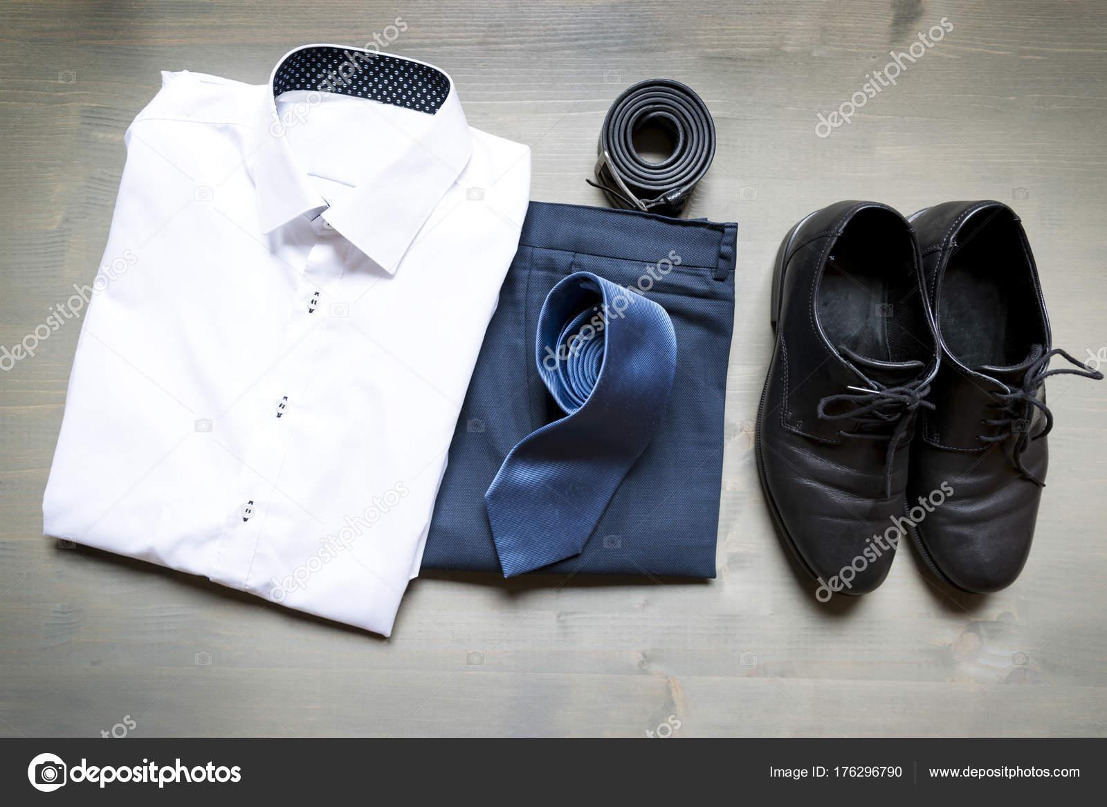 Camicia ScarpePantaloni E Vestiti Piegato Dell'uomo D'affari LjR54A