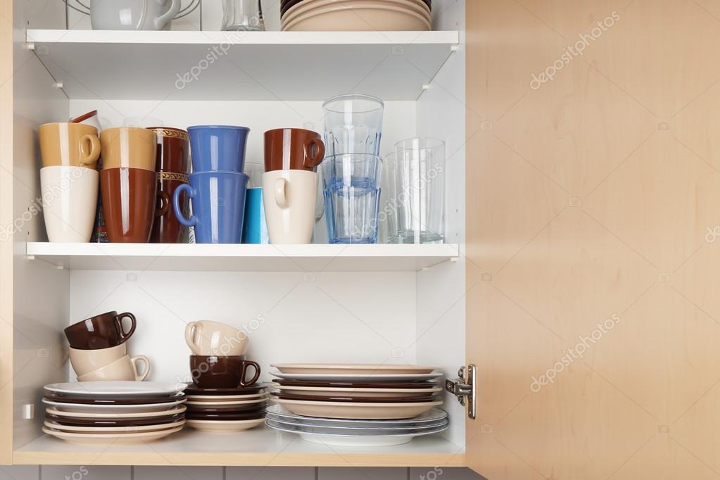 Küchenschrank oder Schrank für Geschirr — Stockfoto © buecax #128314812
