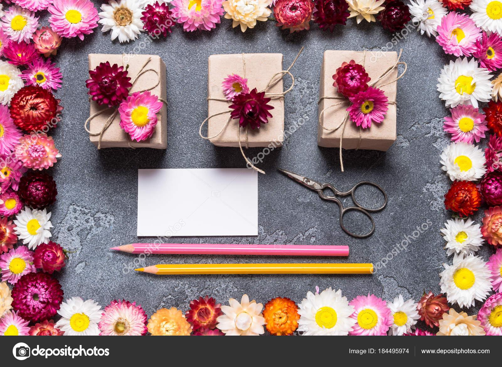 Bricolage Et Carte De Visite Pour Fleuriste Image Yumis