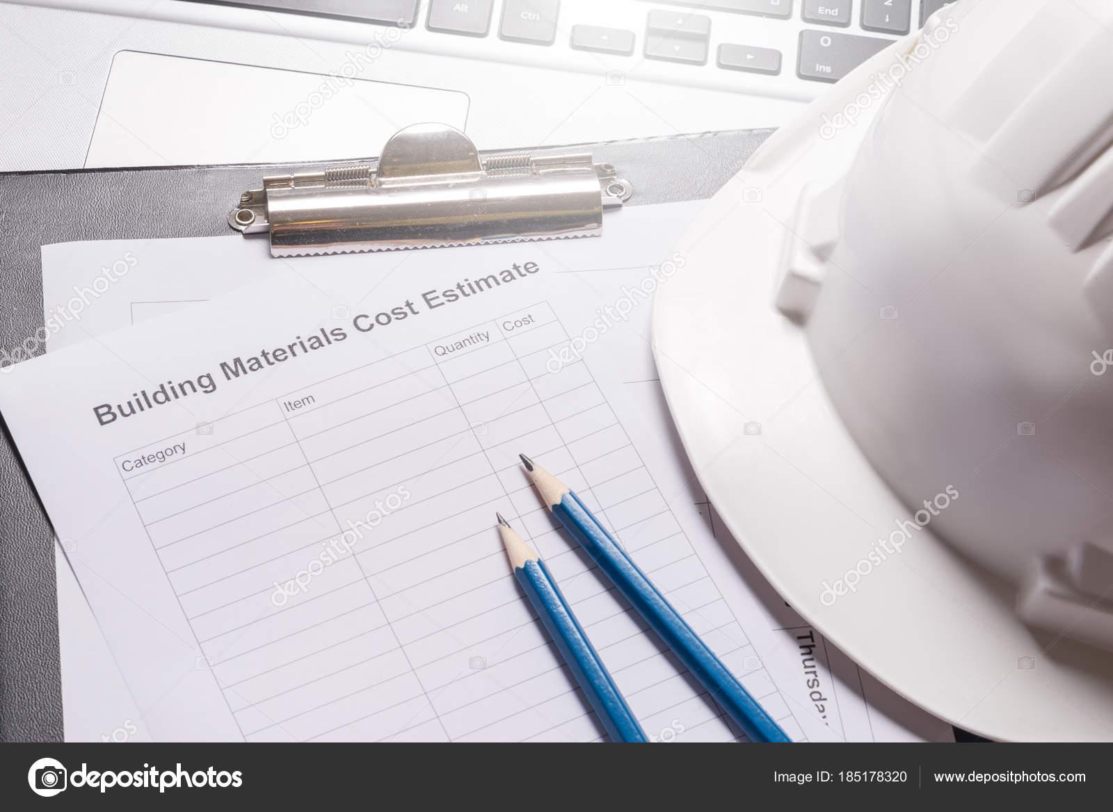 materiales de construcción costo estimado en el escritorio de