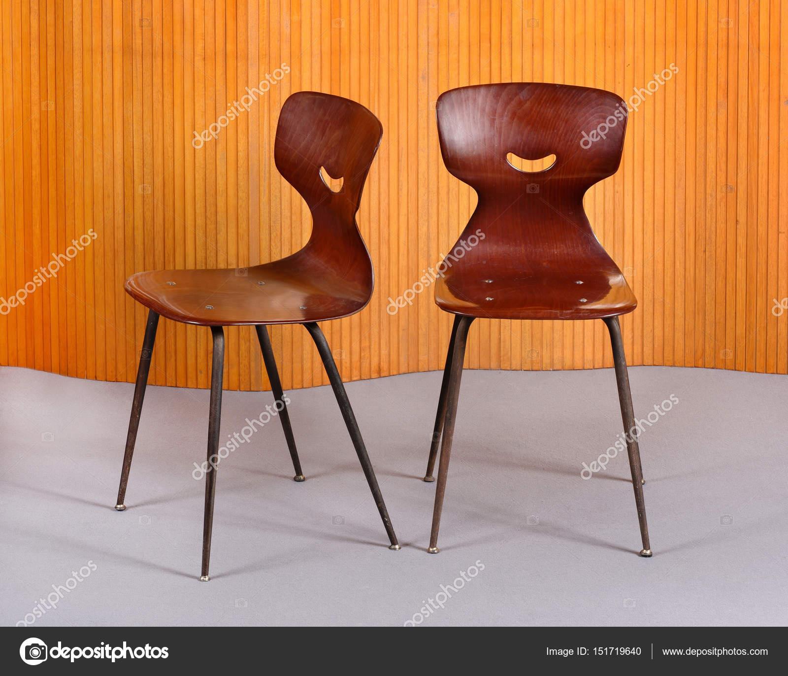 Sedie In Legno Curvato.Sedie Di Design Elegante Legno Curvato Foto Stock