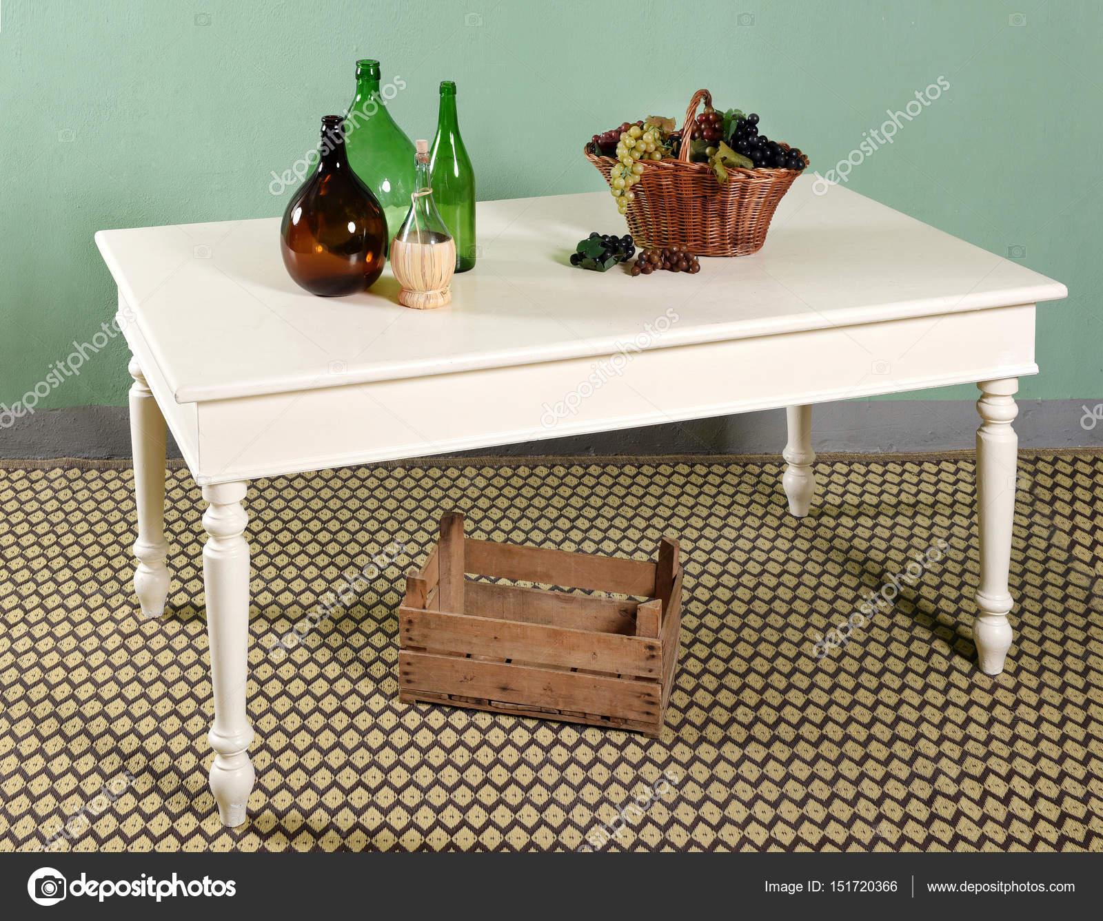 Weiße Küche Tisch Dekor Zusammensetzung — Stockfoto © PHOTOLOGY1971 ...