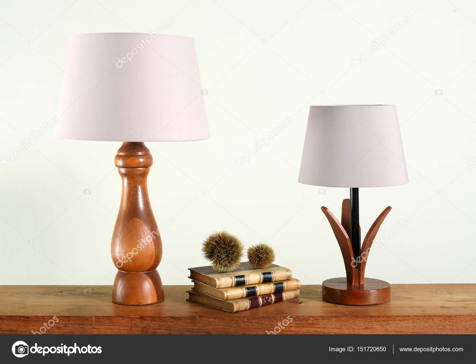 Lampy Stołowe Drewniane Dekoracyjne Zdjęcie Stockowe
