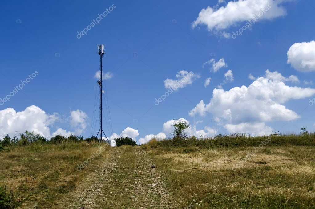 Telecommunication tower with antenna of advance summer