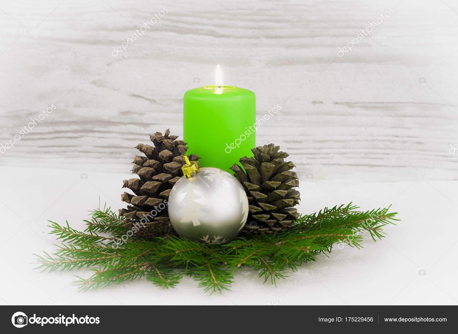 Fotos De La Corona Del Adviento.Corona Adviento Navidad Con Velas Encendidas Fotos De