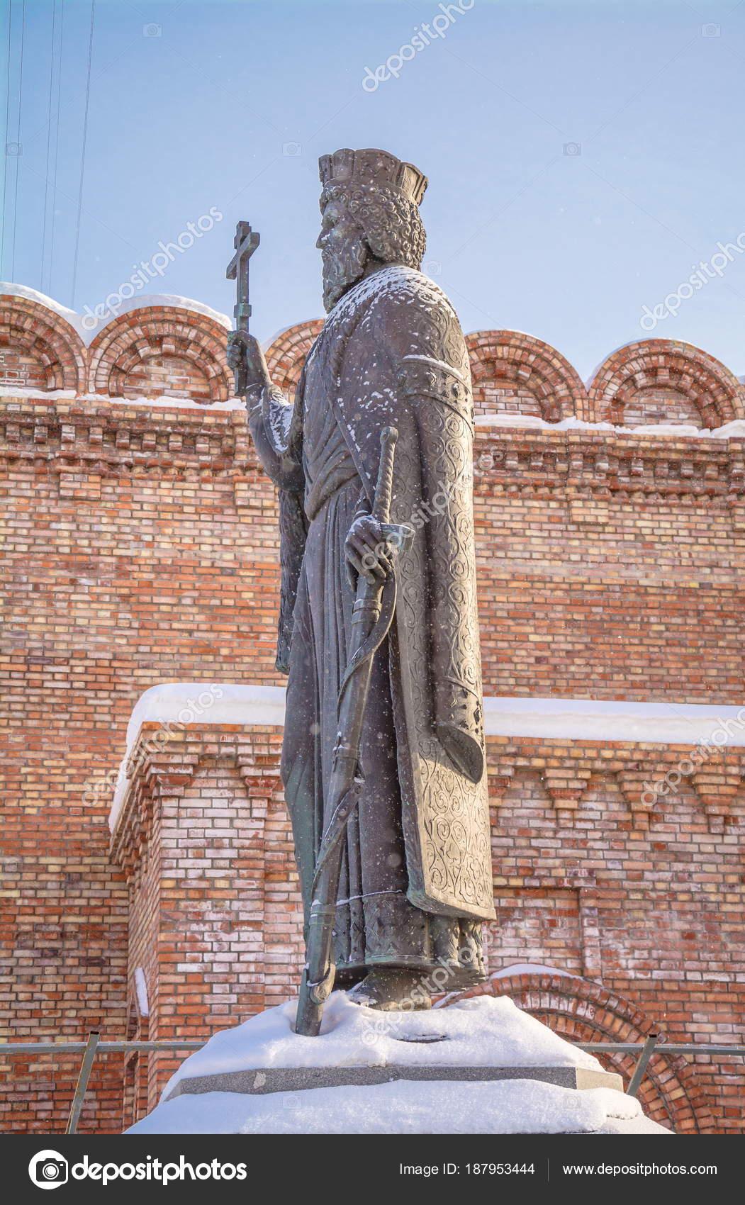 Купить памятник в москве в феврале 2018 года цены на памятники в гомель каталог