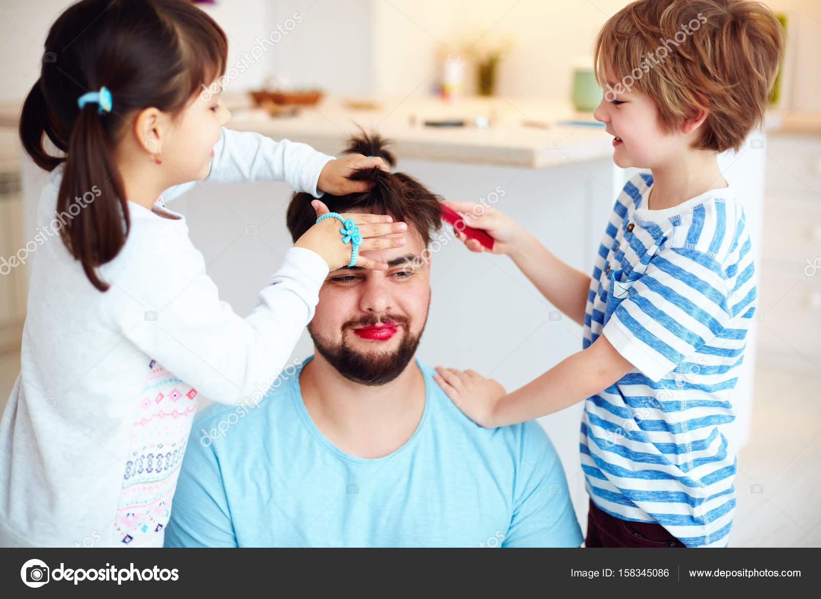 Szalonych Dzieci Co Szalone Fryzury I Makijaż Do Taty W Domu