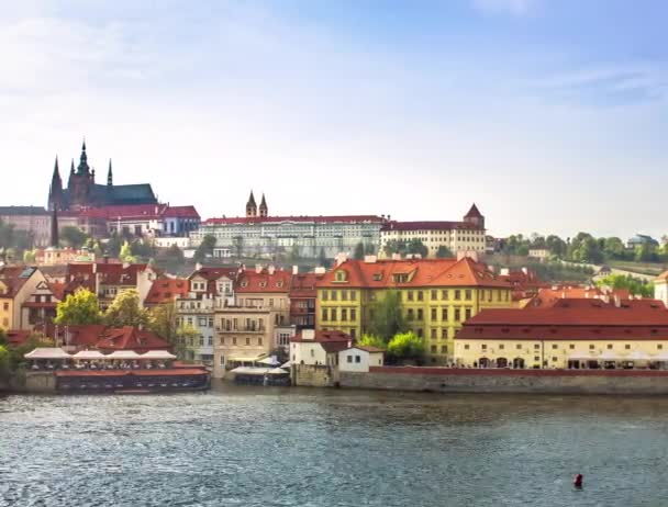 Timelapse z Karlova mostu. Praha, Česká republika
