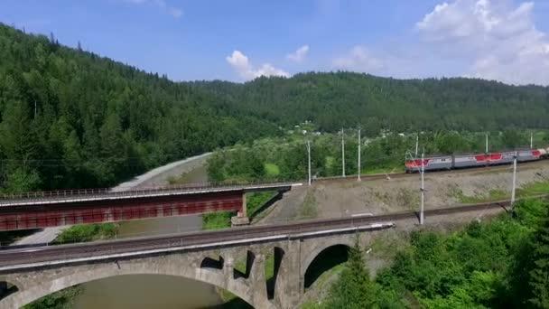 Dva železniční mosty