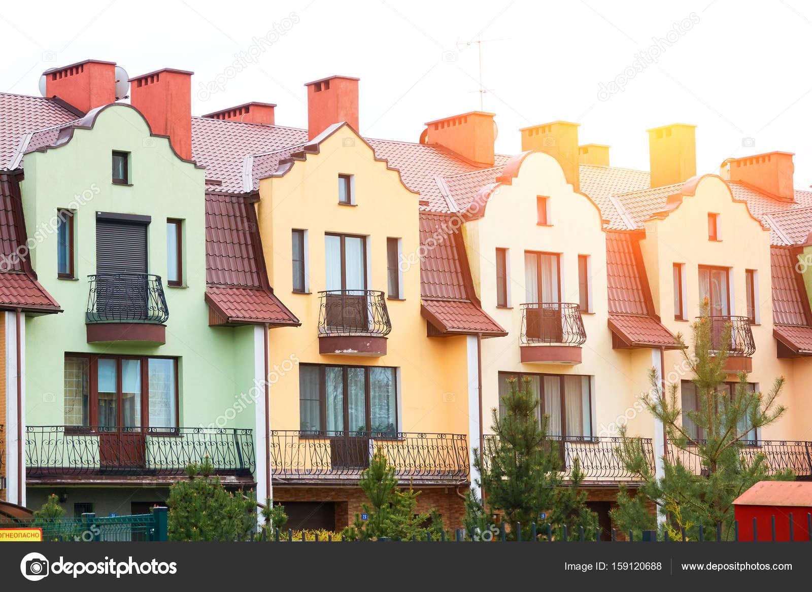 Bunte Häuser Fassaden Farben blassen Pastell in Europa — Stockfoto ...