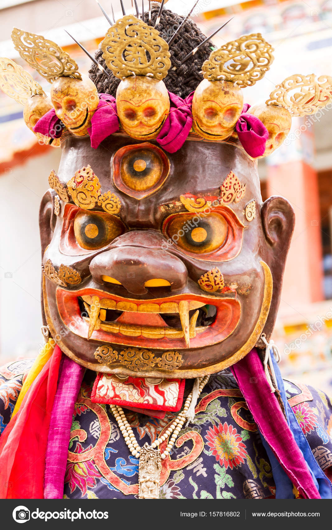 41ec82d91 Unidentified Monk Performs Religious Masked Costumed Mystery Dance Tibetan  Buddhism — Stock Photo