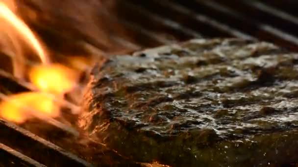 Smažení maso na hamburger