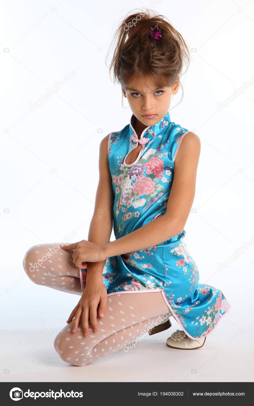 Asiatische Strumpfhosenmodelle