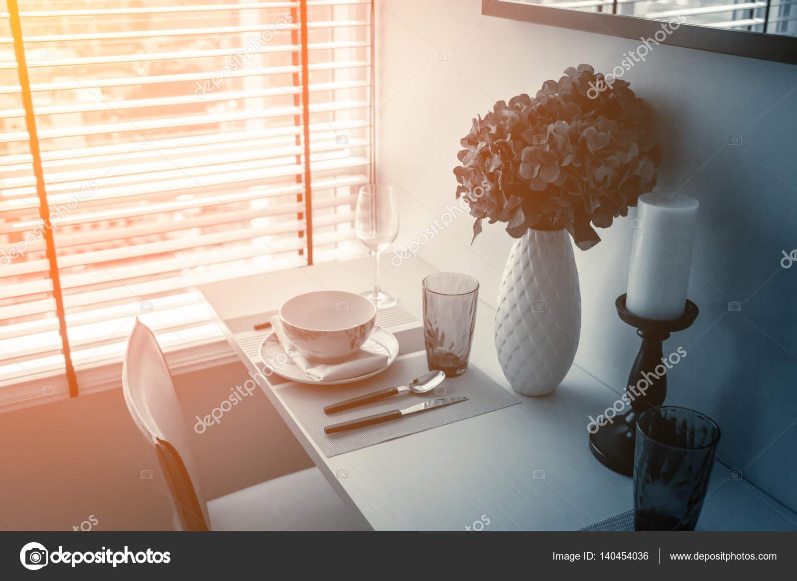 Sloot mooi eetkamer stoel met houten tafel schotel sets interieur