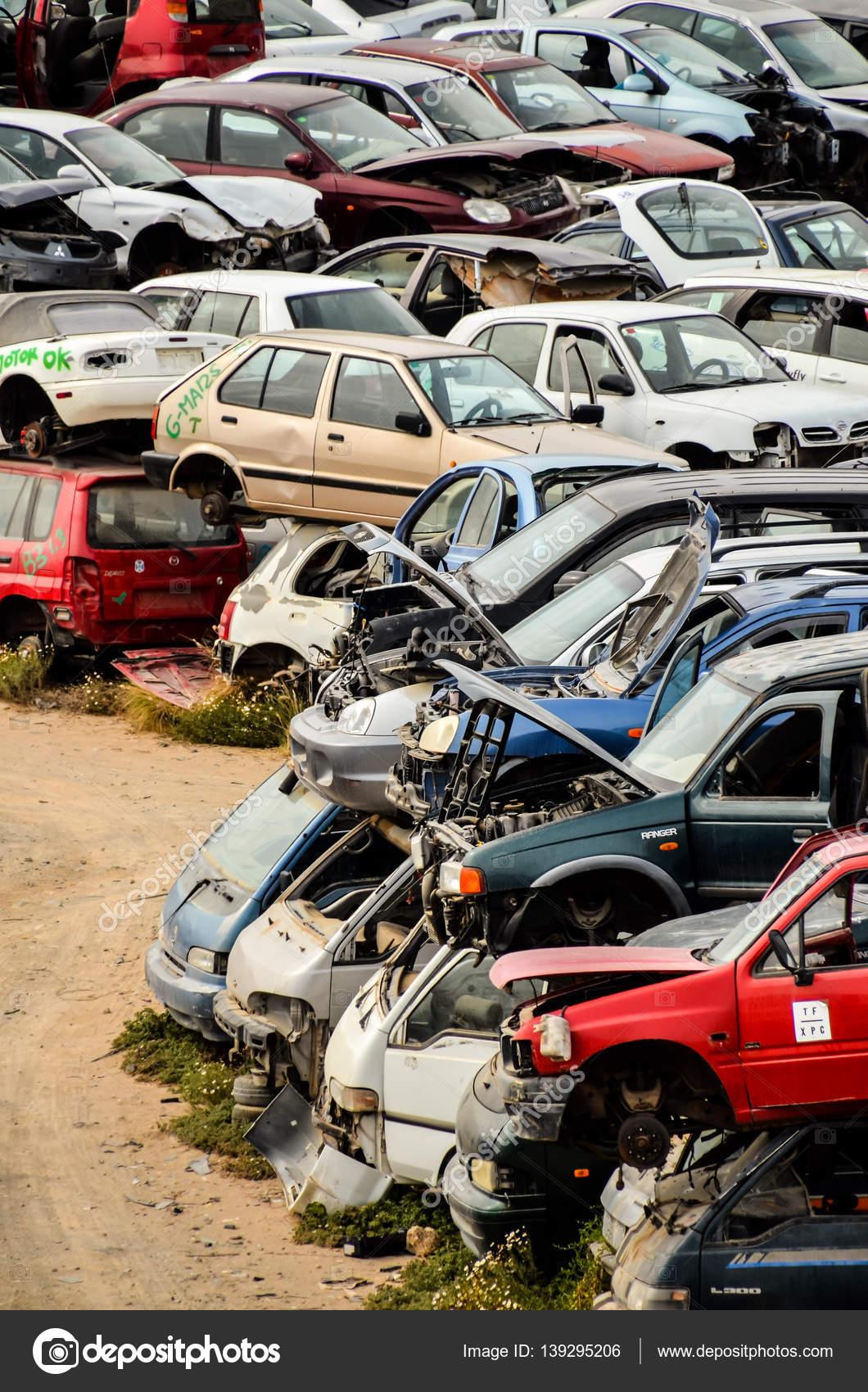 Old Junk Cars On Junkyard — Stock Photo © underworld1 #139295206