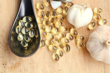 capsules of garlic oil
