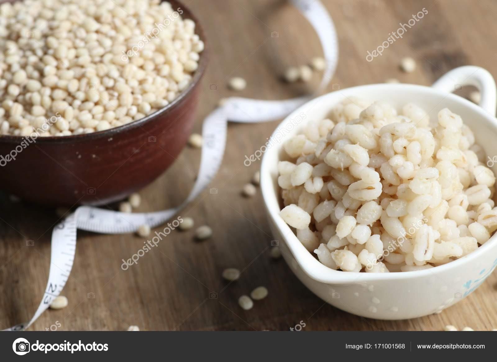 Приготовленные семена ячменя — Стоковое фото © oilslo #171001568