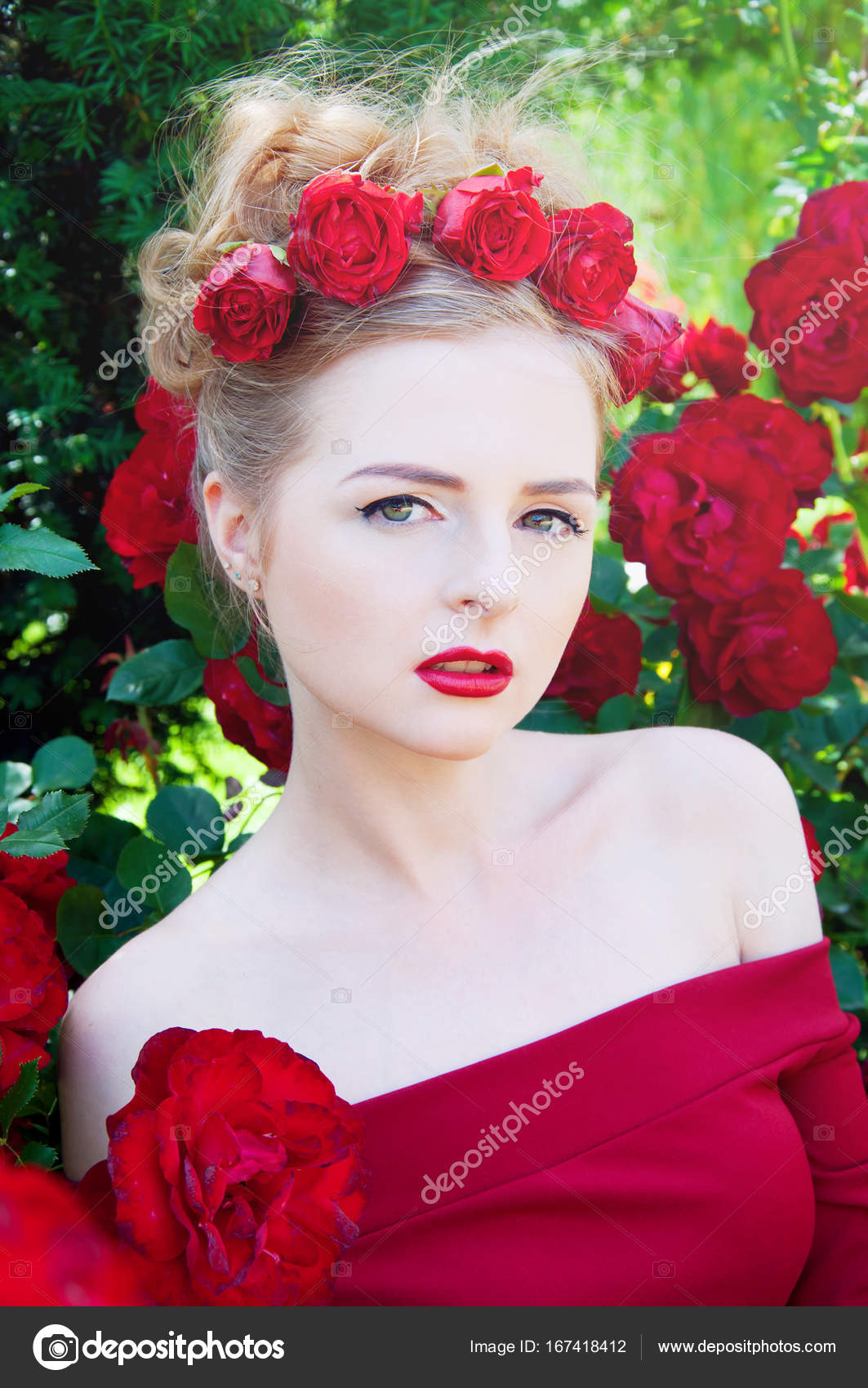 Beautiful blond with roses picture 538