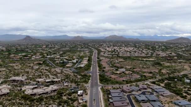Légi kilátás Scottsdale sivatagi város Arizona keleti állami főváros Phoenix.