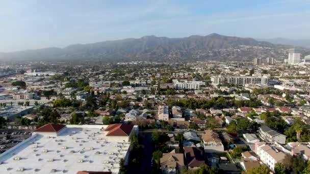 Letecký pohled na centrum Glendale, město v Los Angeles