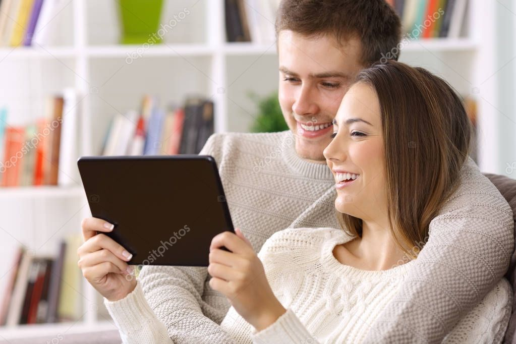 streaming-video-of-couples-at-home
