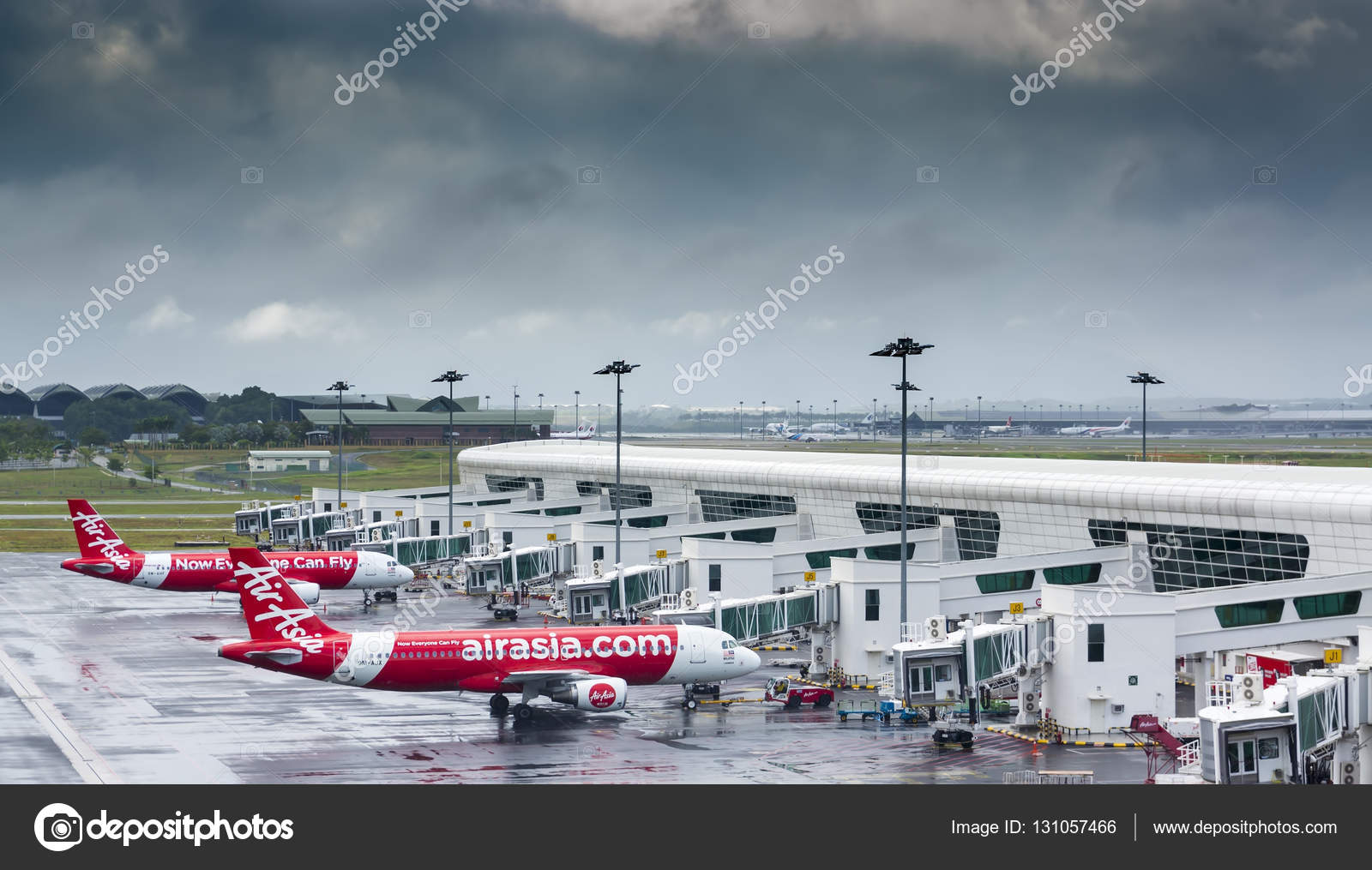 low cost carrier and air asia Air asia flies to tiruchirappalli in tamil nadu, hyderabad in andhra pradesh, bengaluru in karnataka, kolkata in west bengal from its kuala lumpur, malaysia, base air india express  air india express is the low-cost spinoff of state carrier air india.