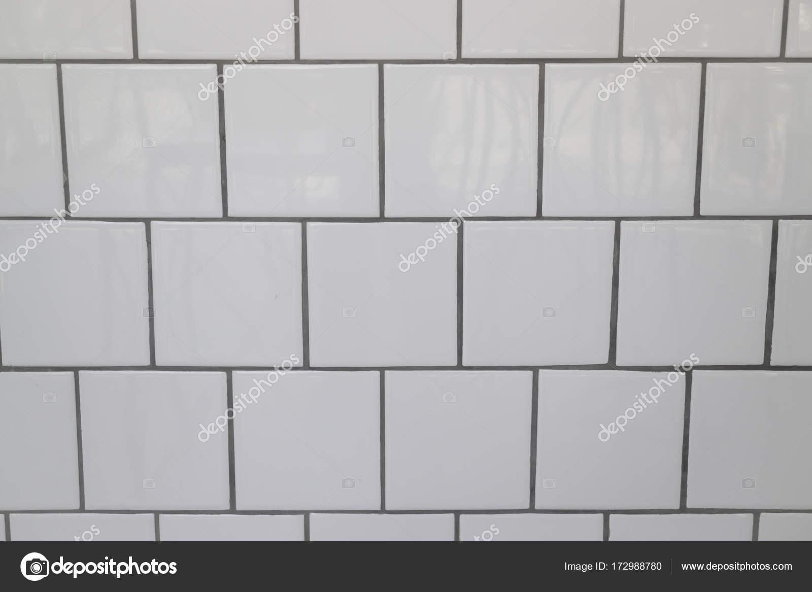 weiße fliesen wand in modernen küche — stockfoto © nalinrat #172988780