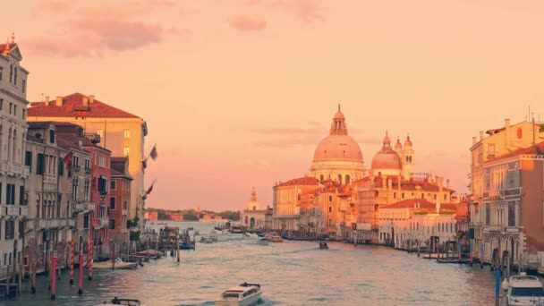 Bazilika Santa Maria della Salute při západu slunce, Benátky