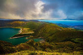 Photo Green Mountain lake in Azores island