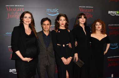 Saffron Burrows, Gael Garcia Bernal, Lola Kirke, Monica Bellucci, Bernadette Peters