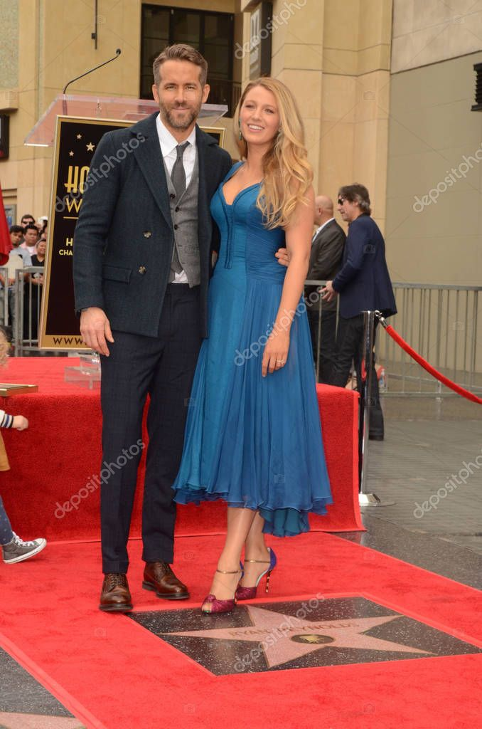 Actor Ryan Reynolds with family at the Ryan Reynolds Star on the Hollywood Walk of Fame Ceremony, Hollywood, CA 12-15-16 stock vector