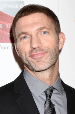 actor Travis Knight
