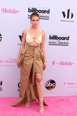 Halsey at the 2017 Billboard Awards Arrivals