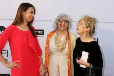 Illeana Douglas, Gues, Carol Kane