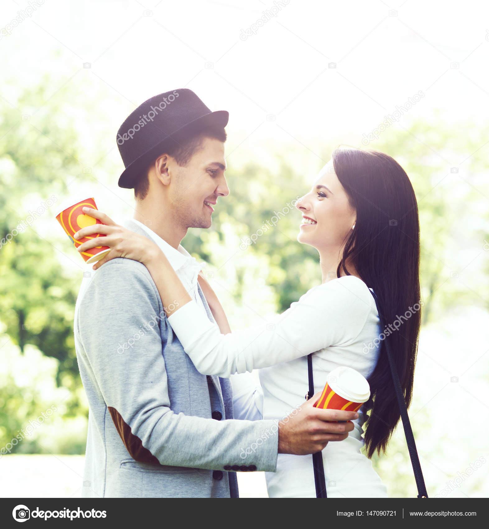 сайт счастливая знакомств пара