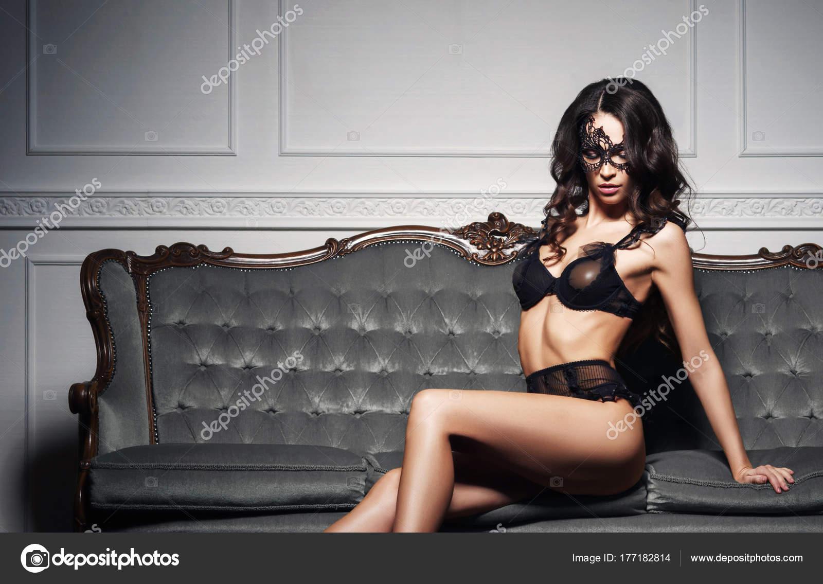 rezinovim-muzhikom-eroticheskie-foto-devushki-bryunetki