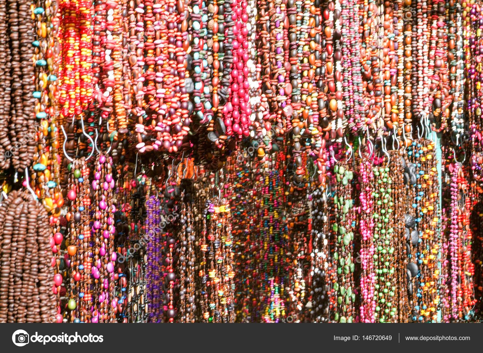 Artesanato Indiano Resumo ~ Gr u00e2nulos mexicanos, mercado de artesanato indiano u2014 Stock Photo u00a9 Fotoember #146720649
