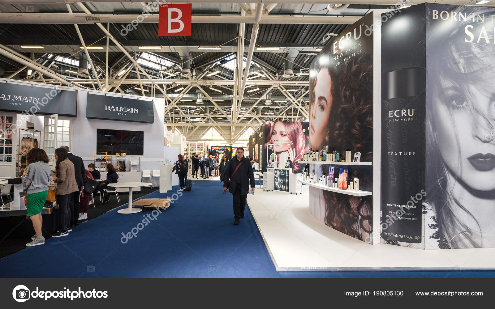 a67bcec39ce Bologna Italy March 2018 People Visit Cosmoprof Exhibition Largest ...