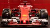 Bologna, Itálie - cca prosince 2017: Ferrari Sf70h Formule 1 sportovní auto na Motor show