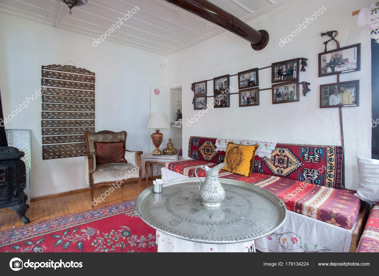 Oude historische traditionele turks huis binnen stad van eskisehir