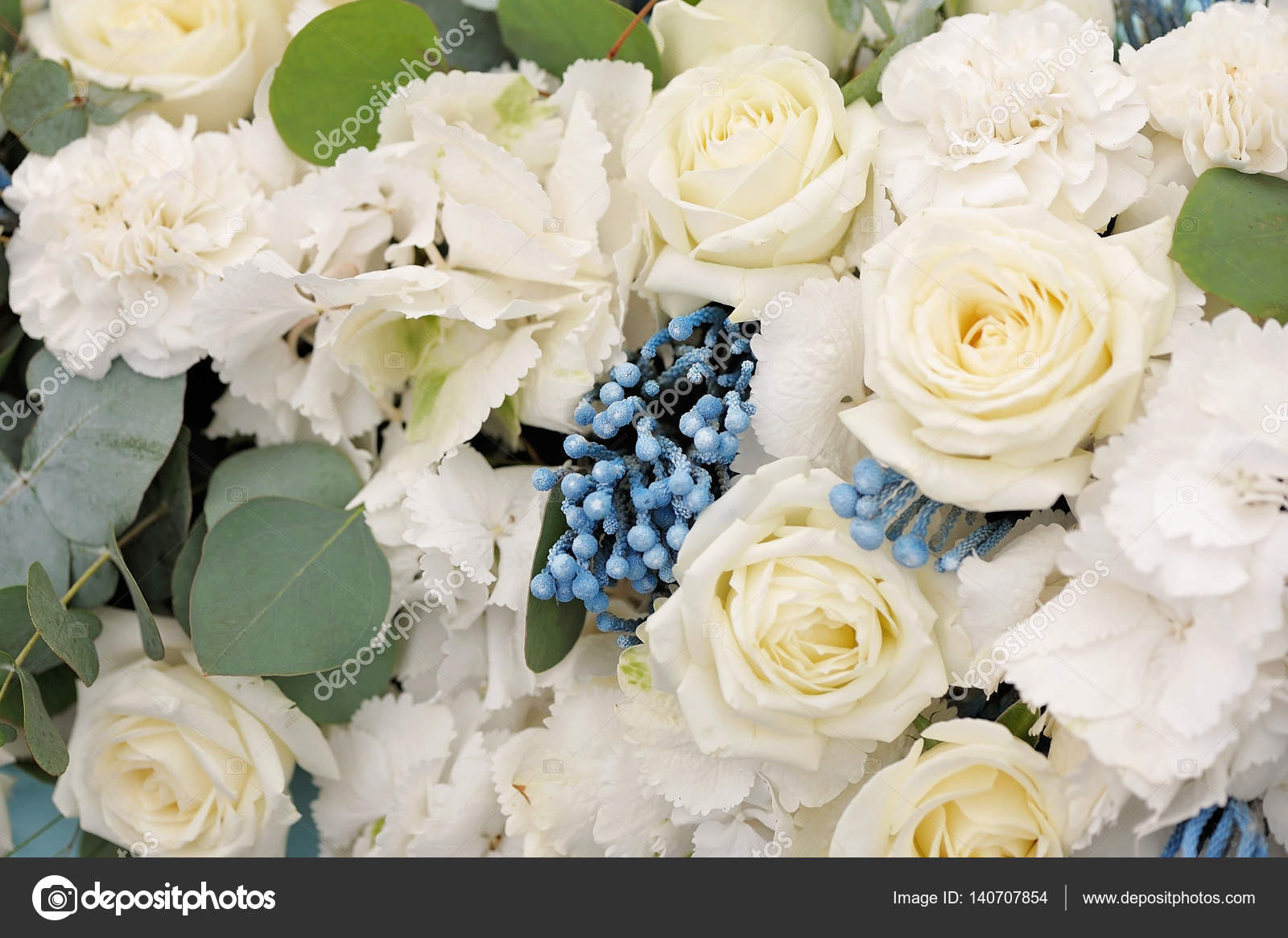 Wedding decor. Beautiful flowers in bouquet, closeup — Stock Photo ...