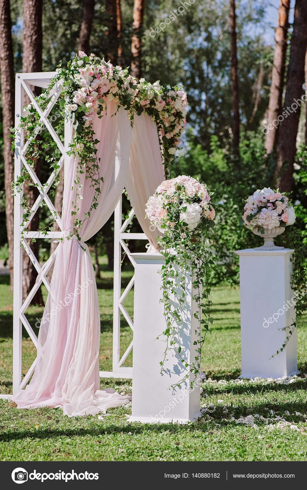 Arcos para bodas doble arco con jardineras madera de pino with arcos para bodas fabulous y Ideas para decorar un arco de boda