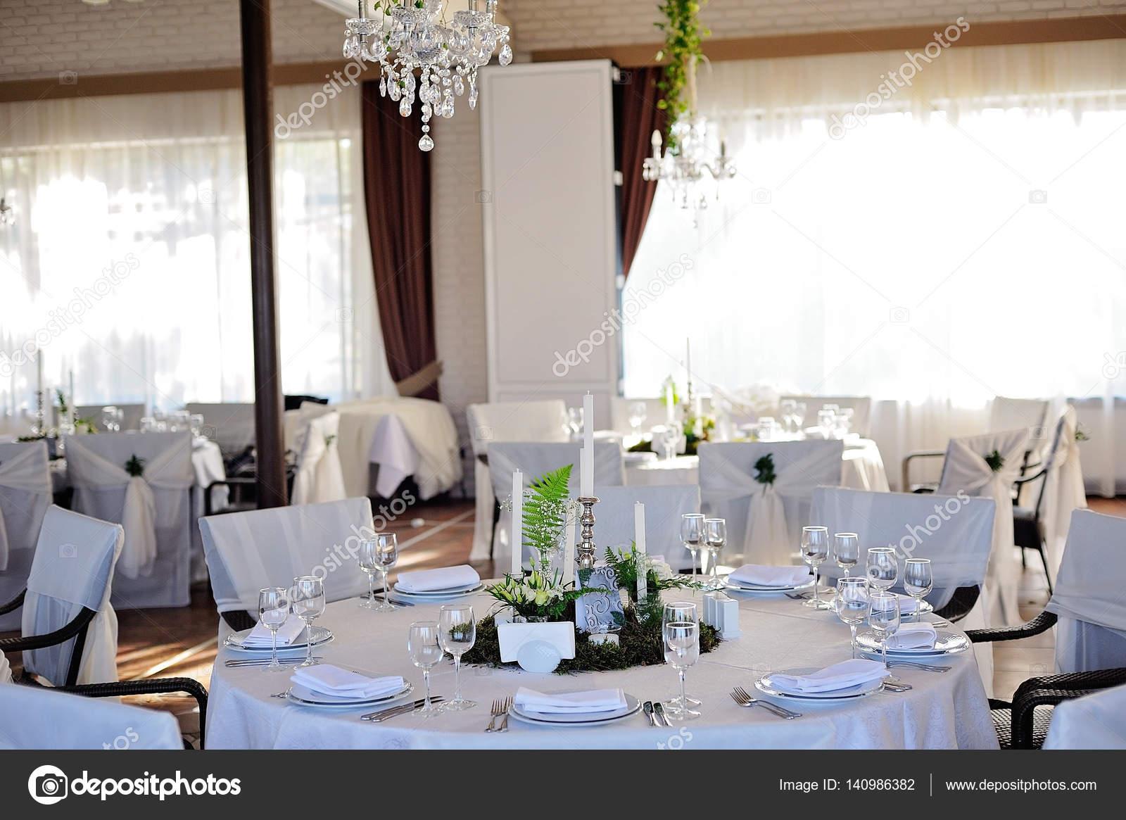 Hochzeit Restaurant Einrichtung — Stockfoto © olgaburtseva ...