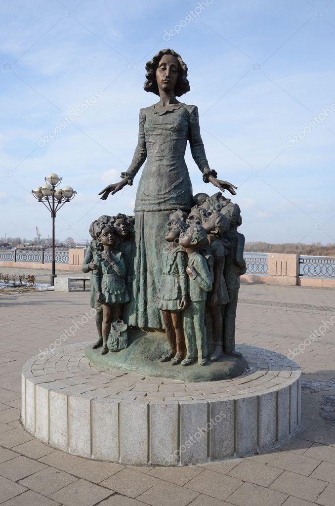 Где можно купить памятники россии памятник на кладбище цена у изготовителя